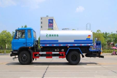 东风12吨洒水车老款
