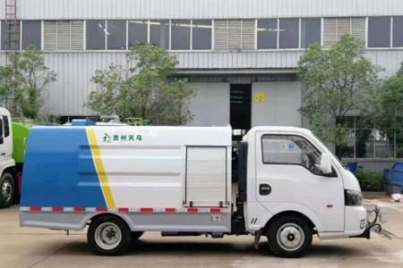 国六东风途逸路面清洗养护车