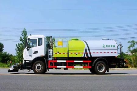 国六天锦路面高压清洗车